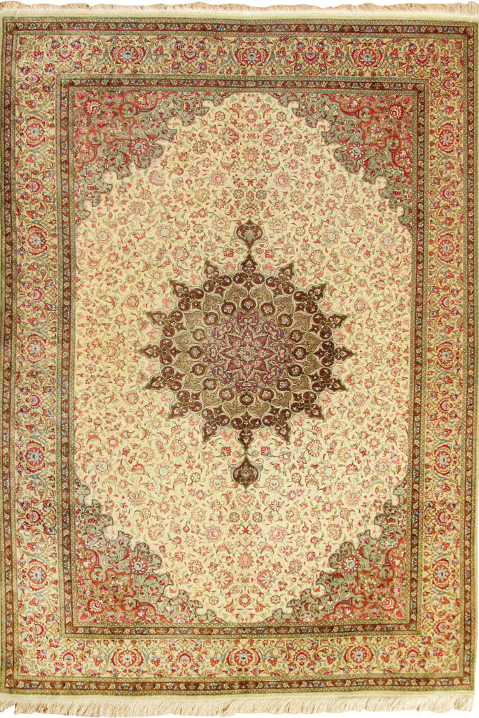 Kum Hand Knotted Medallion Silk Rug - 200x138
