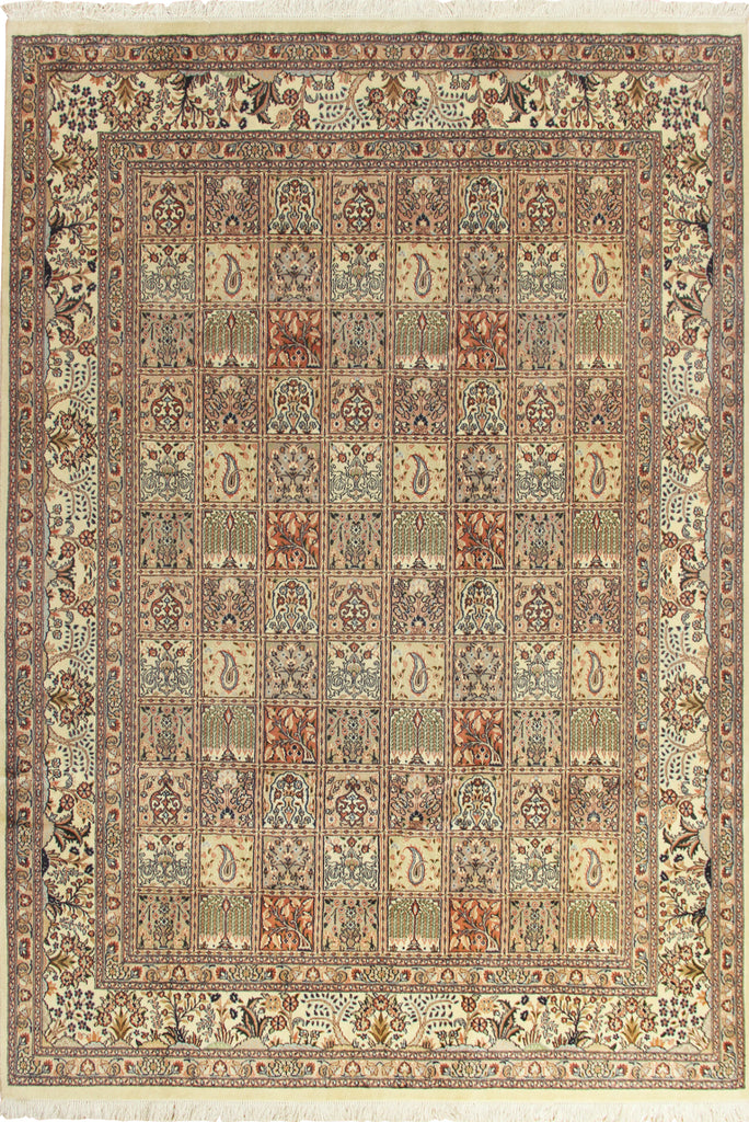 Moud Medallion Hand Knotted Wool