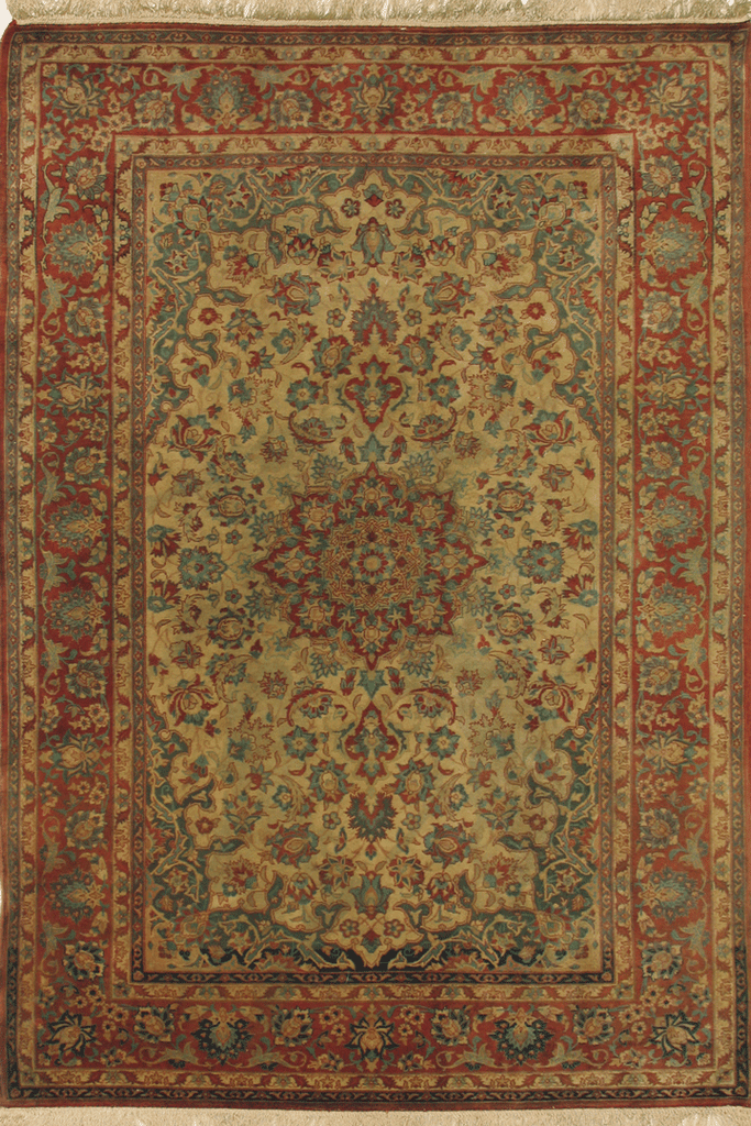 Isfahan Medallion Hand Knotted Wool Rug