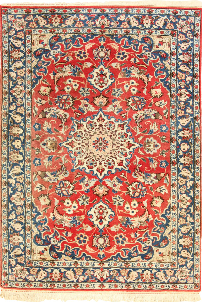 Isfahan Medallion Hand Knotted Wool Rug - 160x103 cms