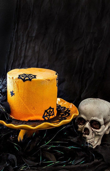 I really hope you guys enjoy this chocolate Halloween cake–it's spooky good adult fun with the flavors of chocolate and orange and a kicky ombre finish!