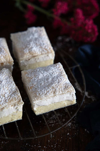 This beautifully creamy, melt-in-your-mouth vegan kremšnita, aka vanilla & custard cream cake, will quickly win you over