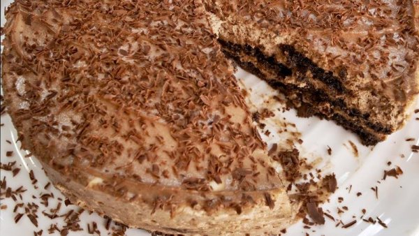 Cookies and Cream Cheesecake.By Rachel Allen Celebrity Chef