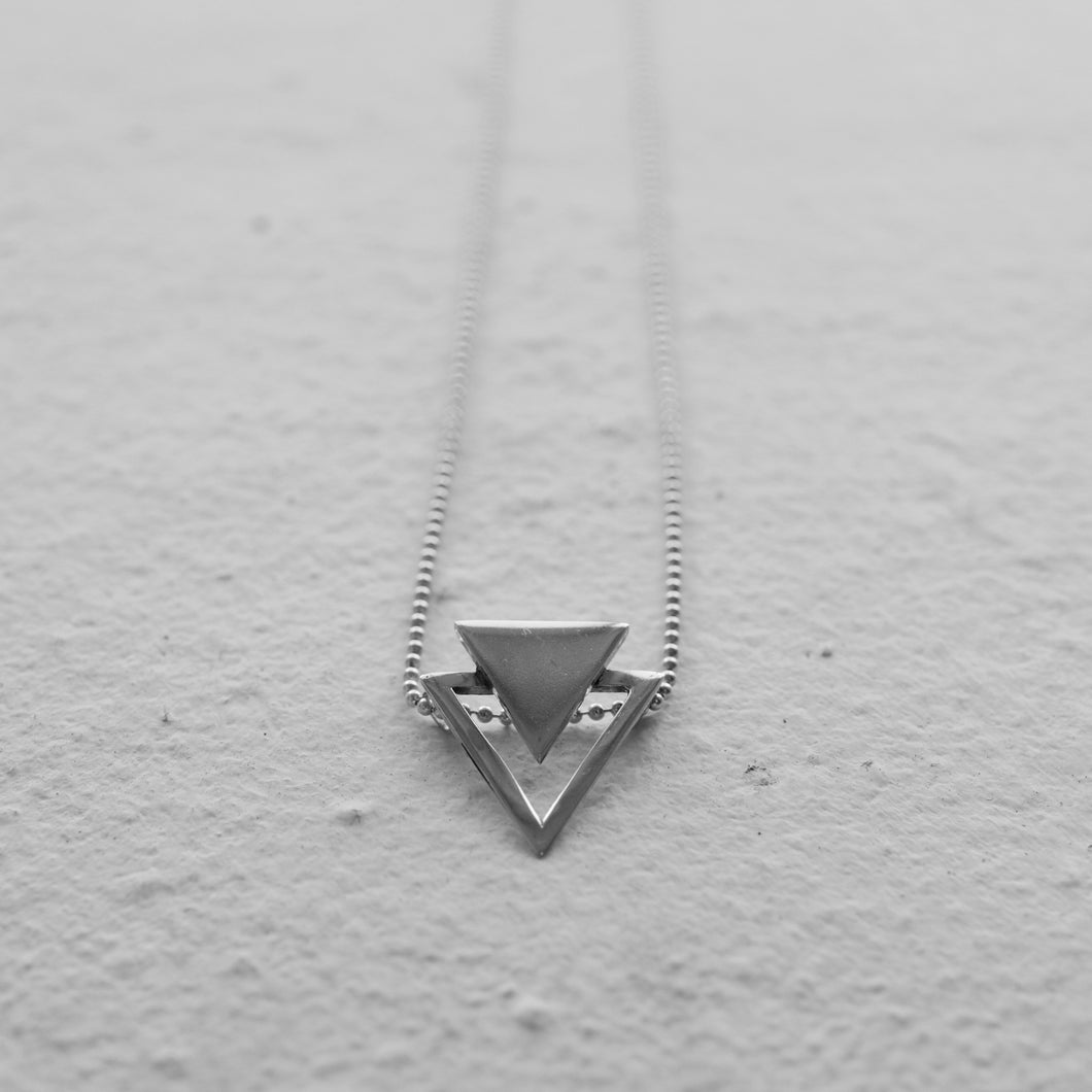 WATER NECKLACE | A FEW