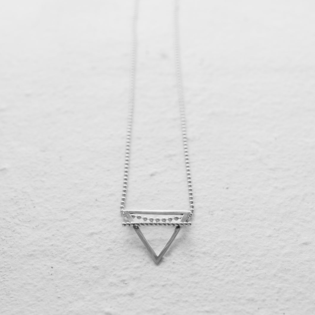 EARTH NECKLACE |  A FEW
