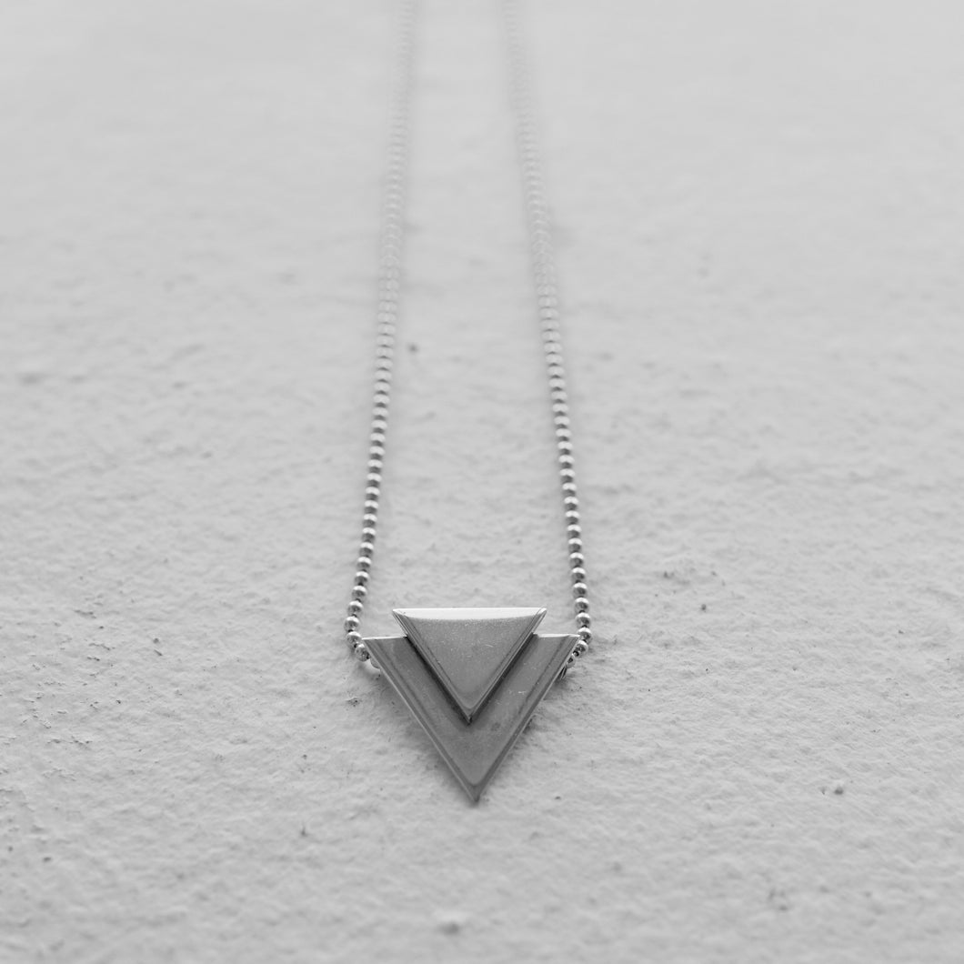 FIRE NECKLACE | A FEW