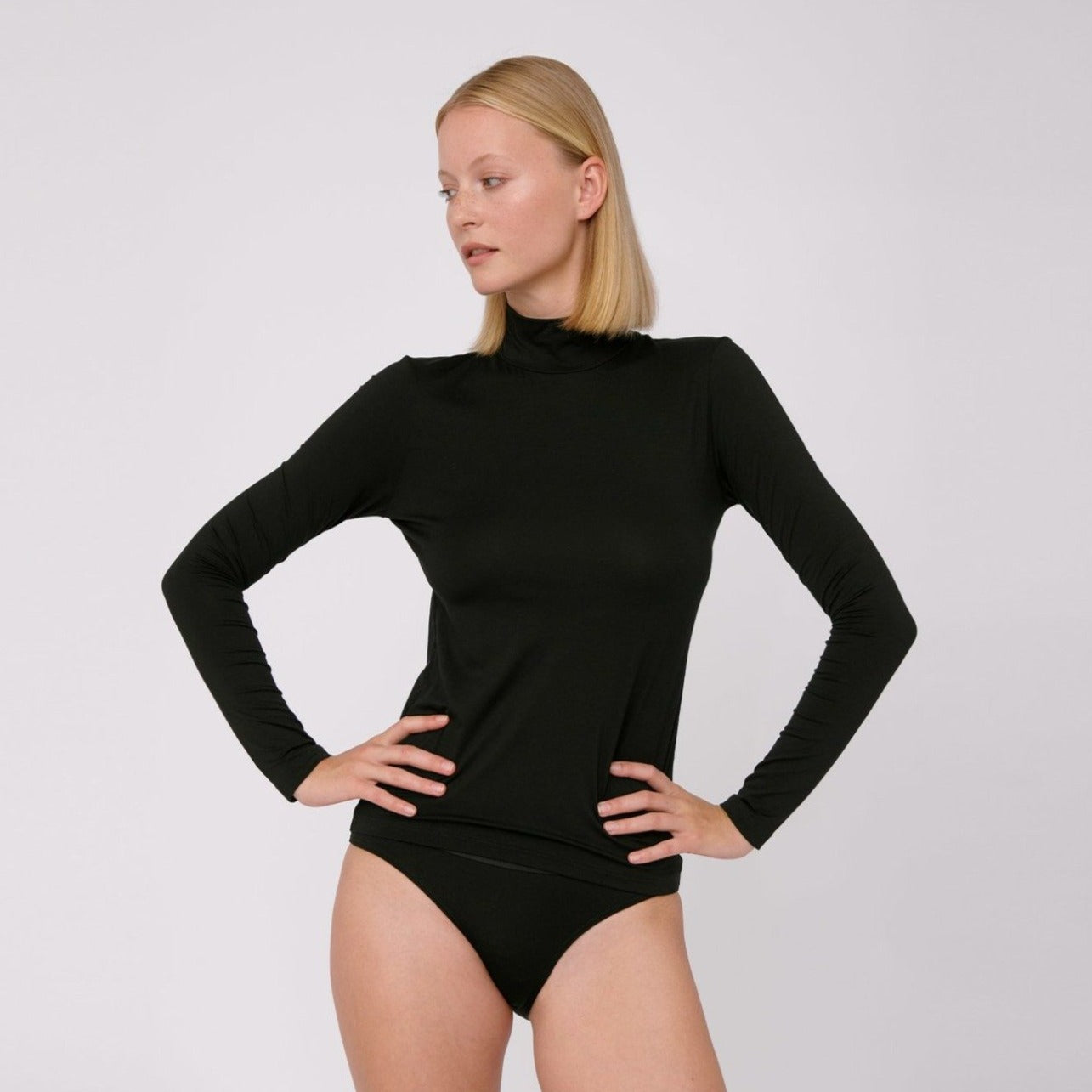 Tencel Lite Turtleneck Black