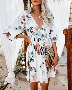 Summer Vacation Half Sleeve Printed V Neck Dresses
