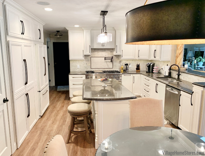 Who doesn't love a good remodel story? This gorgeous kitchen update in Geneseo, IL is beautiful, and the remodel process was resourceful (more on that later)