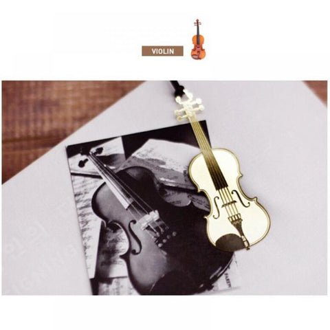 Goldplated book-marker or key-hanger, violin-shape