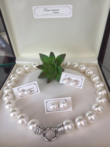 Pearl necklace. 54cm