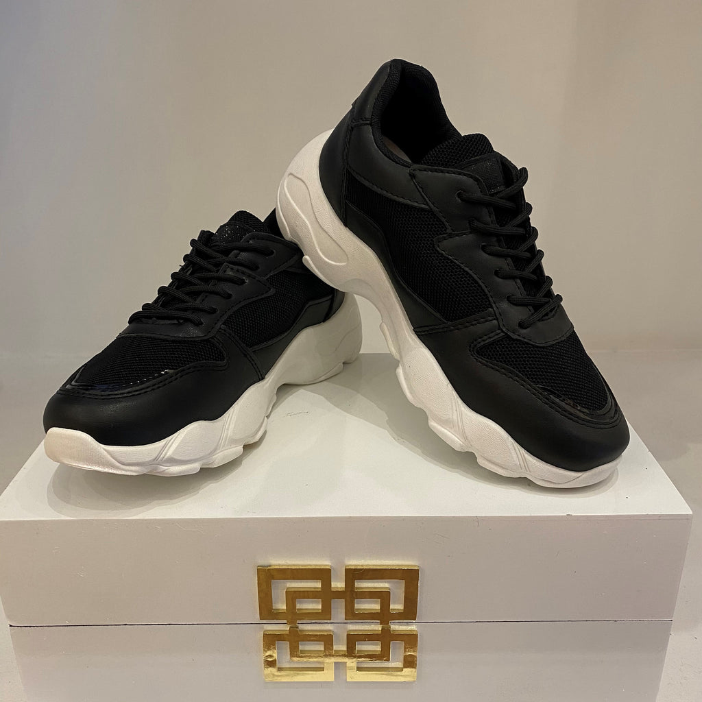 Black and White Active Trainer