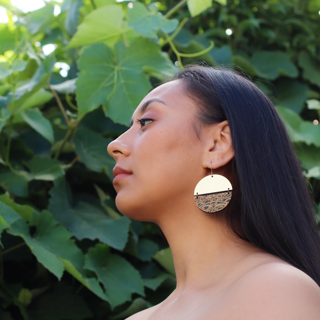 Earrings Gold Black, Split Papatūānuku II