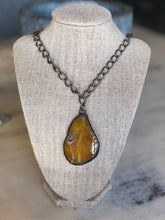 The Amber drop necklace