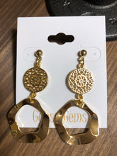 The Samantha gold earring