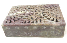 Load image into Gallery viewer, Floral Net Soapstone Box