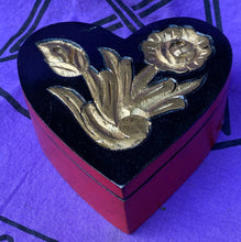 Load image into Gallery viewer, Heart shaped Box with Gold Flowers