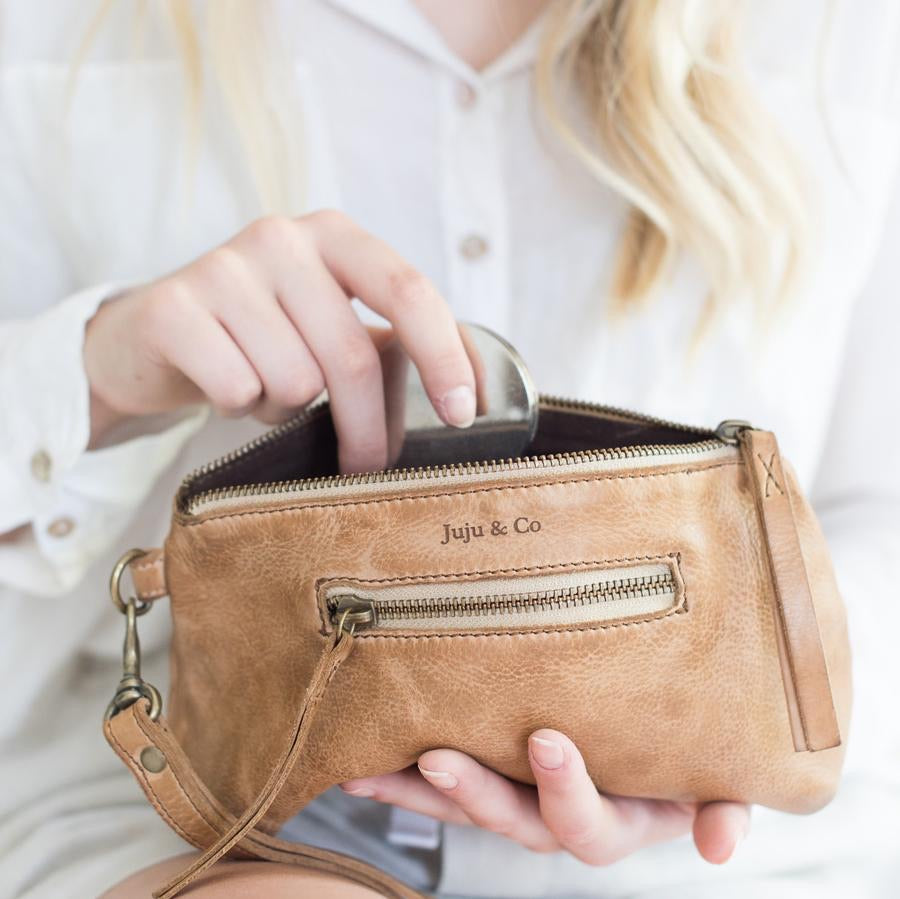 Small Leather Essential Pouch- Natural