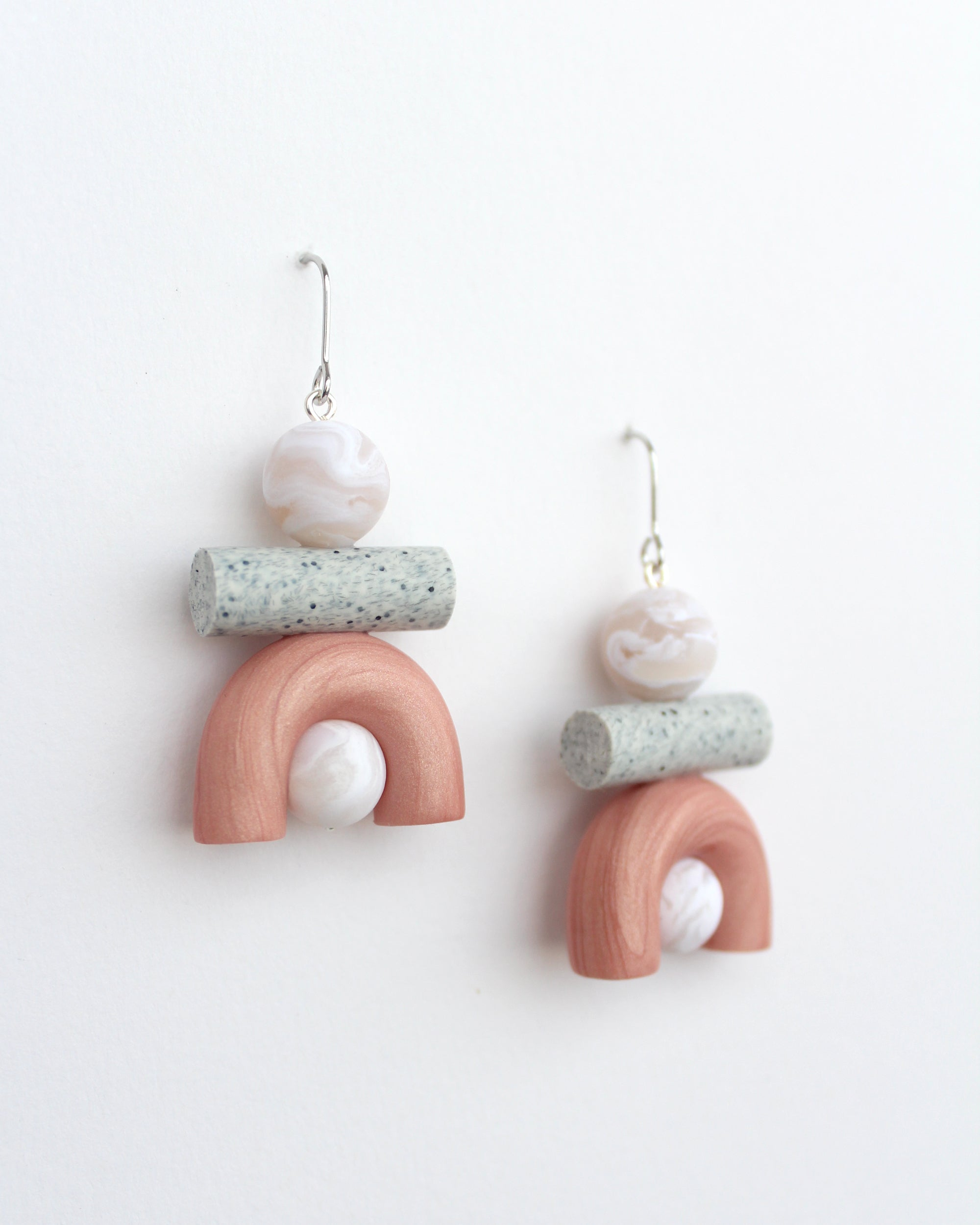 Mini Ook Earrings in Salmon Pink