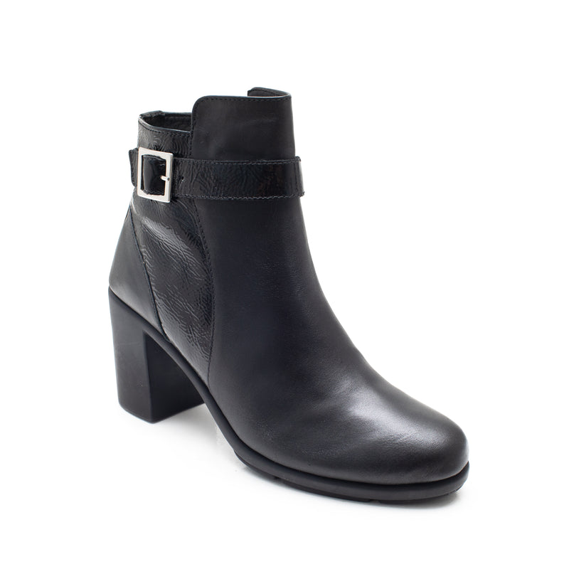 AGATHA BUCLKE BLACK LEATHER