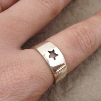 Tapered Sterling Silver cutout Star Ring