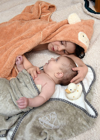 Make Bathtime a Family Affair_Cuddledry.com