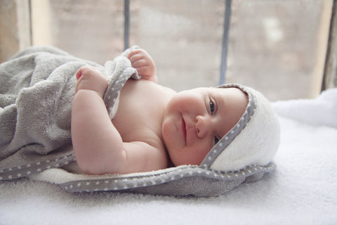 Baby Bathtime Safety Tips_Cuddledry.com