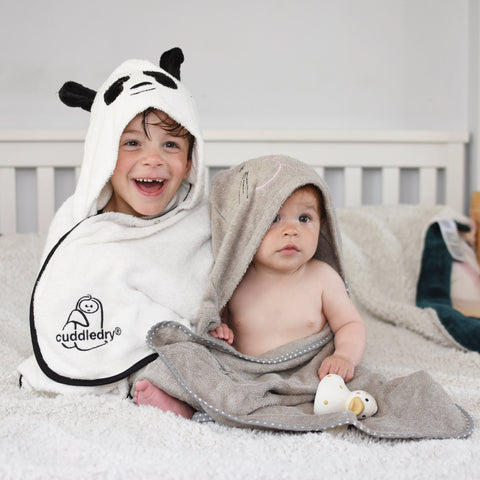 Introducing a new baby to siblings_Cuddledry.com