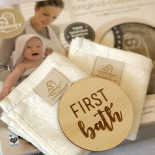 Load image into Gallery viewer, NEW!! 'First bath' newborn gift special bundle with Cuddledry towel