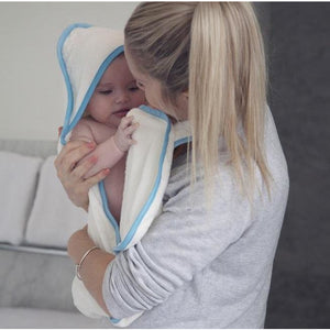 cuddling your baby safely dry after bath with the Cuddledry handsfree apron towel