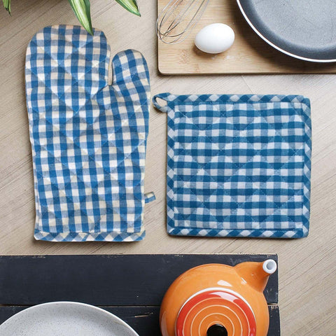 Lushomes Teal Blue Small Checks heat resistant Oven Set, Pack of 2 (1 Pot holder, Size : 8‰۝x8‰۝ & 1 Oven Mitten, Size : 7‰۝x13‰۝)