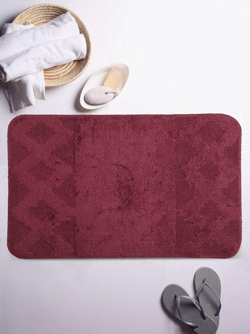 Lushomes Ultra Soft Cotton Burgundy Regular Bath Mat