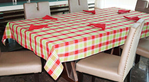 Lushomes Yarn Dyed Red and Green Checks 6 seater Table cloth & Napkins Set - Lushomes
