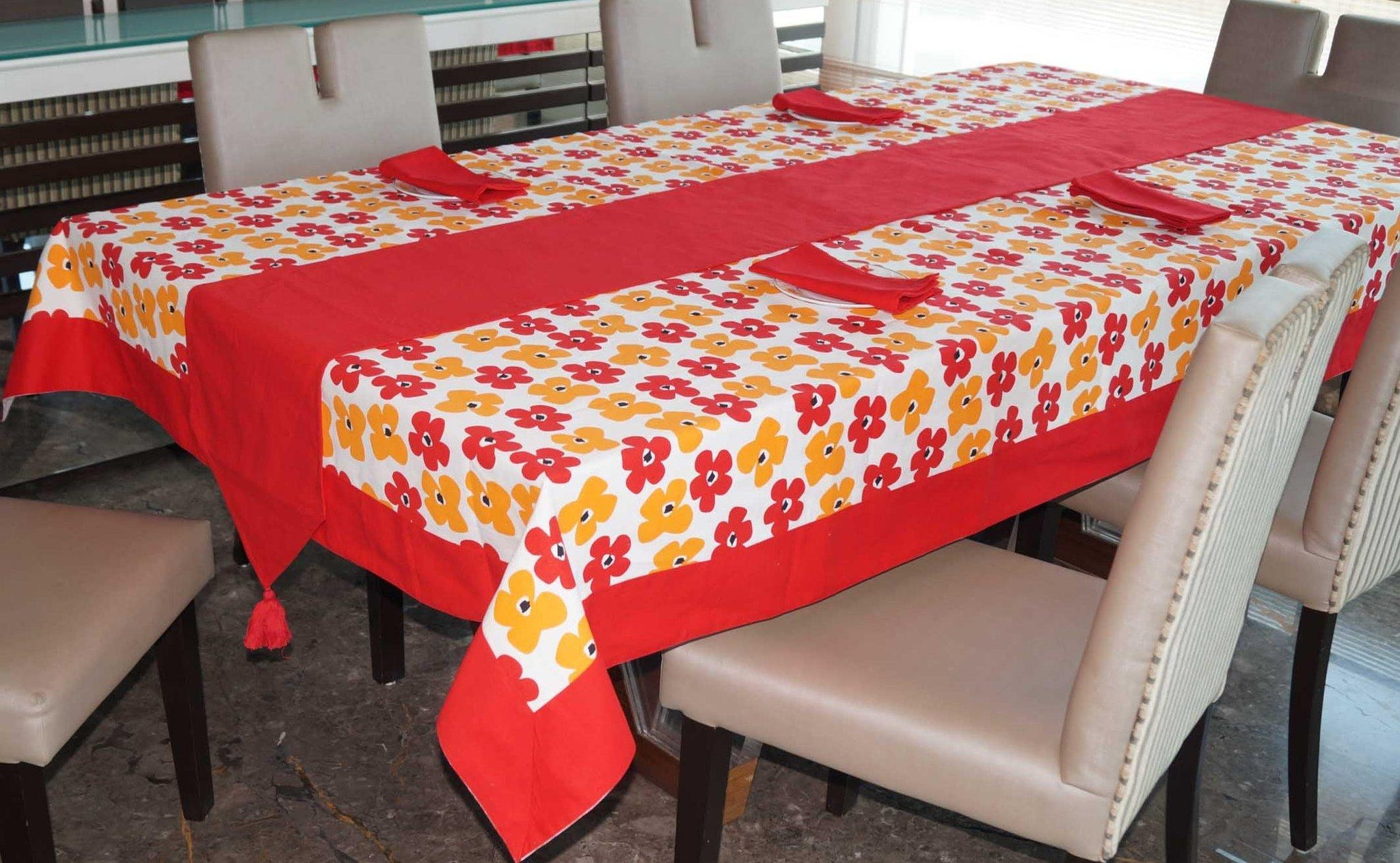 Lushomes Basic Printed 4 Seater Table Linen Set - Lushomes