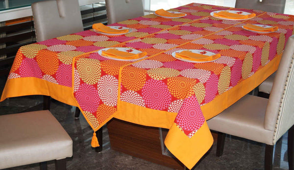 Lushomes Spiral Printed 6 Seater Small Table Linen Set - Lushomes
