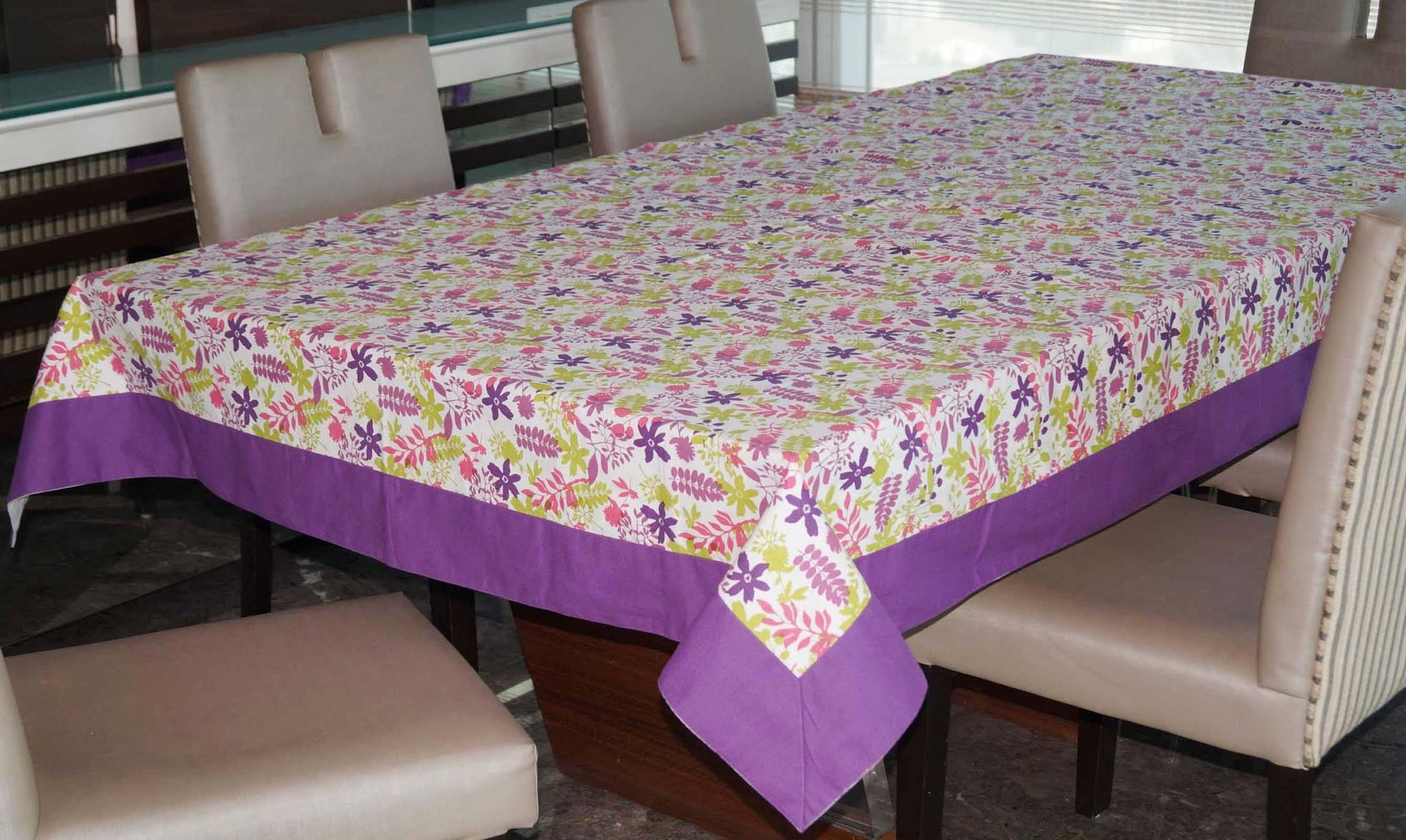Lushomes 12 Seater Purple Printed Table Cloth - Lushomes