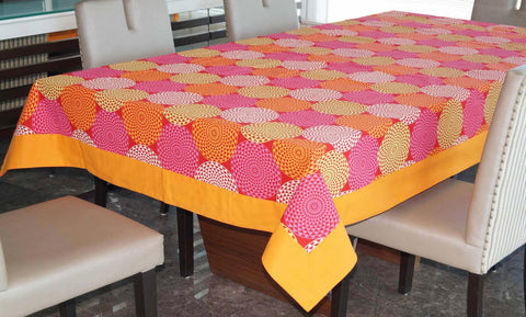 Lushomes 4 Seater Spiral Printed Table Cloth - Lushomes