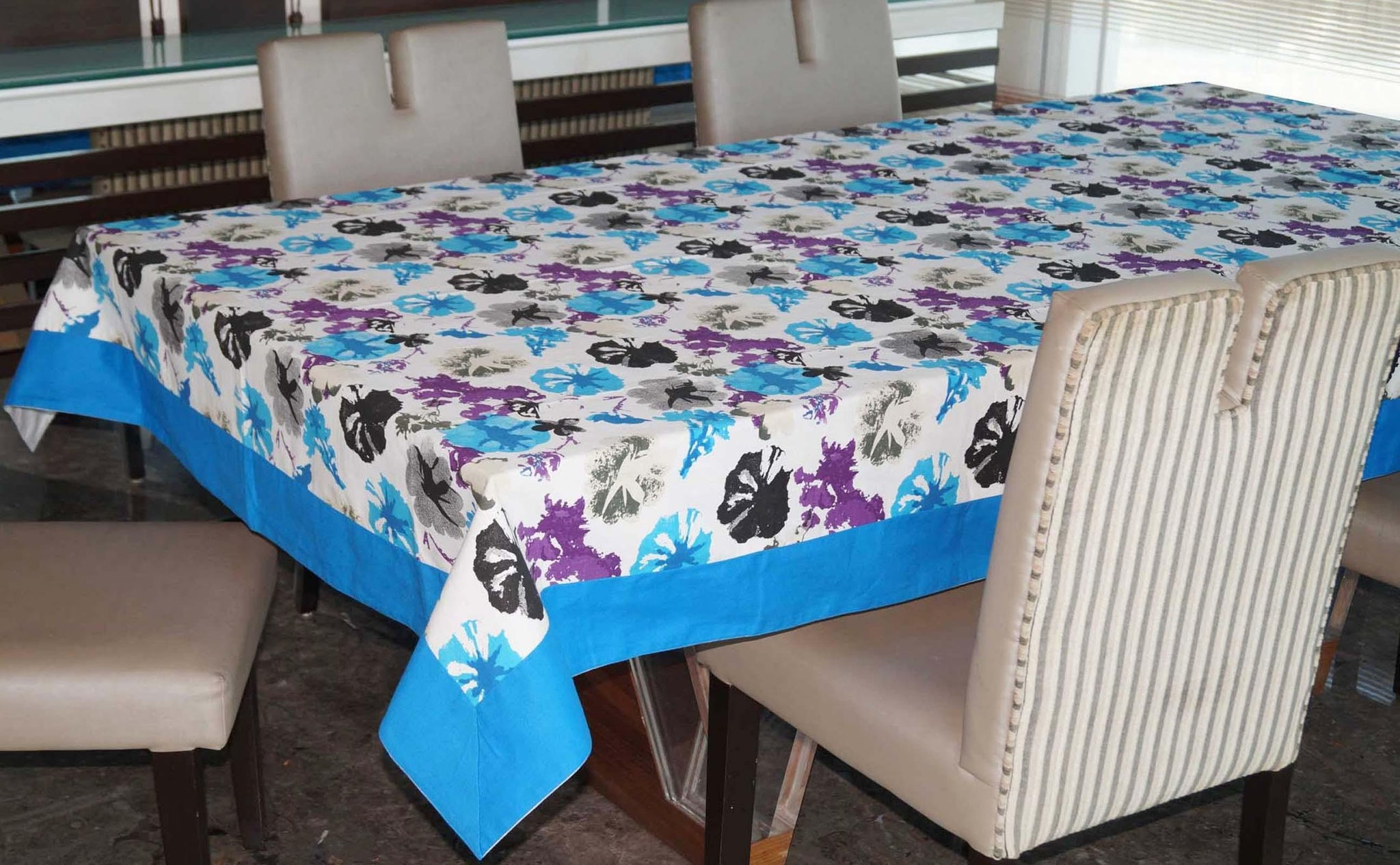 Lushomes 4 Seater WaterColor Printed Table Cloth - Lushomes