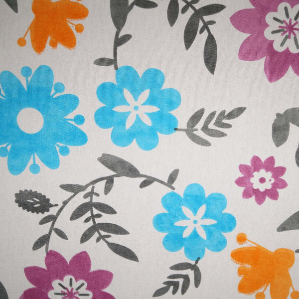 Lushomes 8 Seater Flower Printed Table Cloth - Lushomes