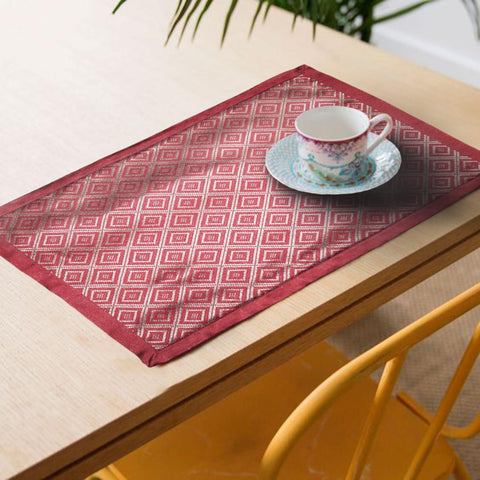 Lushomes decorative Maroon Jacquard Placemat Set of 6 pcs (Size: 13''x19'') - Lushomes