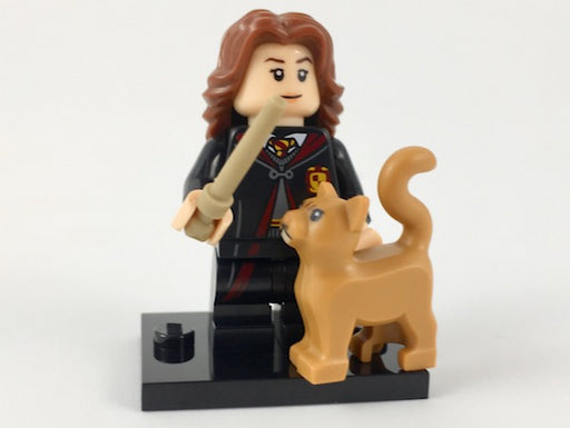 Hermione Granger in School Robes, Harry Potter & Fantastic Beasts (Complete Set with Stand and Accessories)