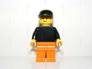 Plain Black Torso with Black Arms, Orange Legs, Black Cap (Set 9322)