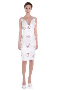 00117 MARIE ANTOINETTE roses pearls dress