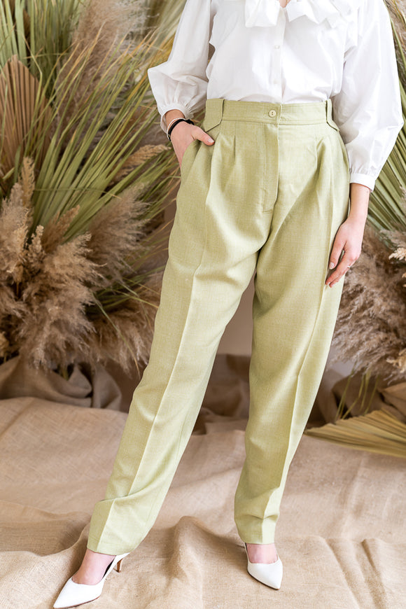 61-3 DIY Sewing Pattern for very loose business pants with welt pockets and pleats from sisterMAG Patterns