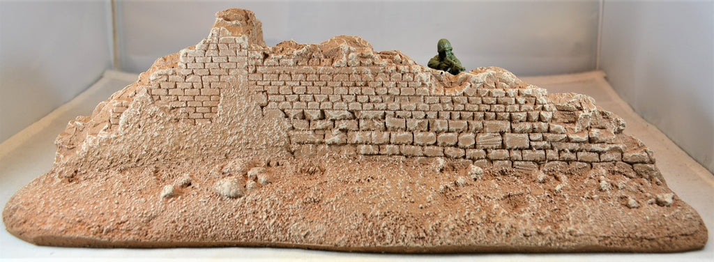 Atherton Scenics Unpainted WWII Desert Battle Damaged T-Wall Building