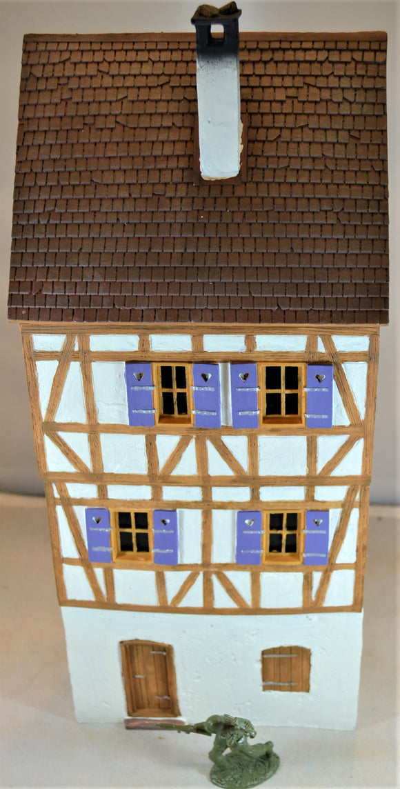 Frontline Figures European German Half Timbered 2-Story Cottage House