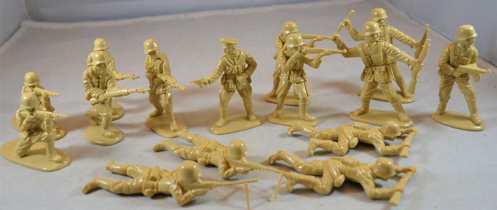 Matchbox World War II German Infantry Tan