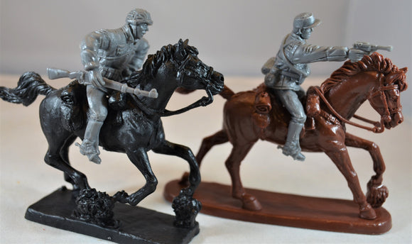 TSSD WWII German Elite Riders with Horses Dark Gray Set #11HR