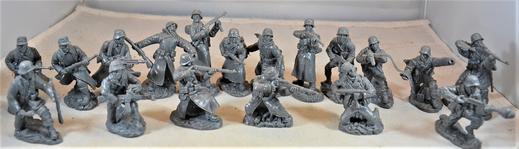 TSSD WWII German Deluxe 18 Figure Set