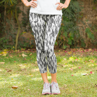 Small Pattern Gray White Camouflage Women's Capri Leggings